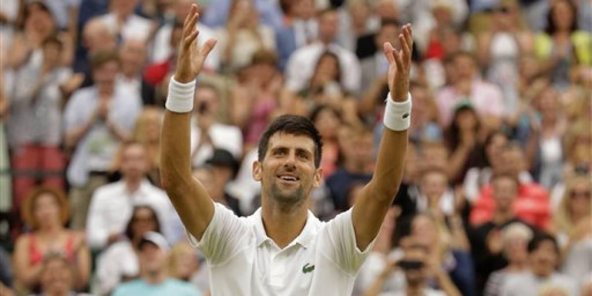 Djokovic adelanta en Wimbledon