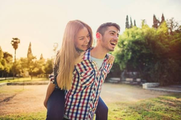 6 beneficios que te traerá salir con una mujer alfa