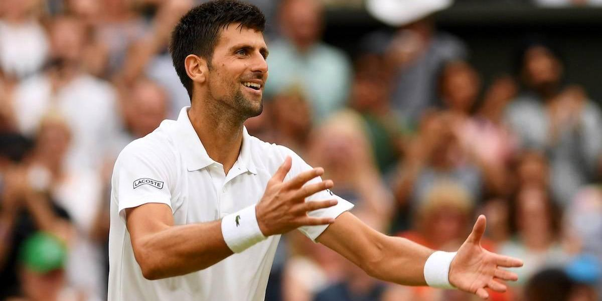 Con todo y lesión, Djokovic avanza a cuartos en Wimbledon