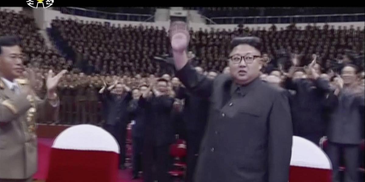Kim Jong-un celebra lanzamiento de misil intercontinental con concierto de música pop