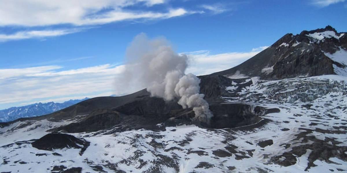 Alerta amarilla en cuatro comunas del Maule por volcán Planchón-Peteroa