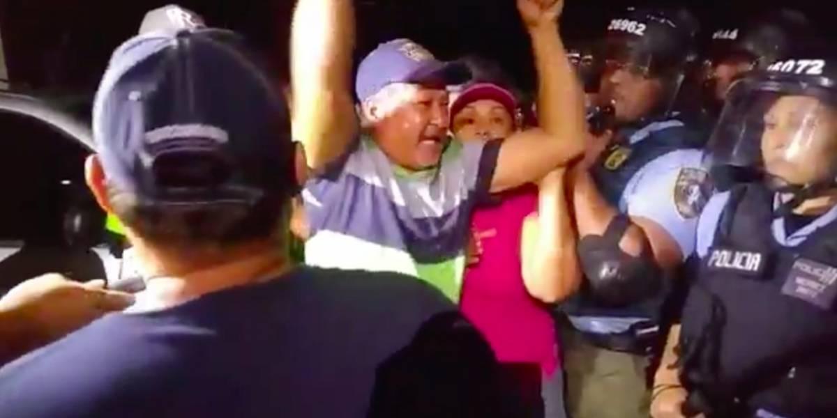 Fuerza de choque llega al campamento contra las cenizas de Peñuelas