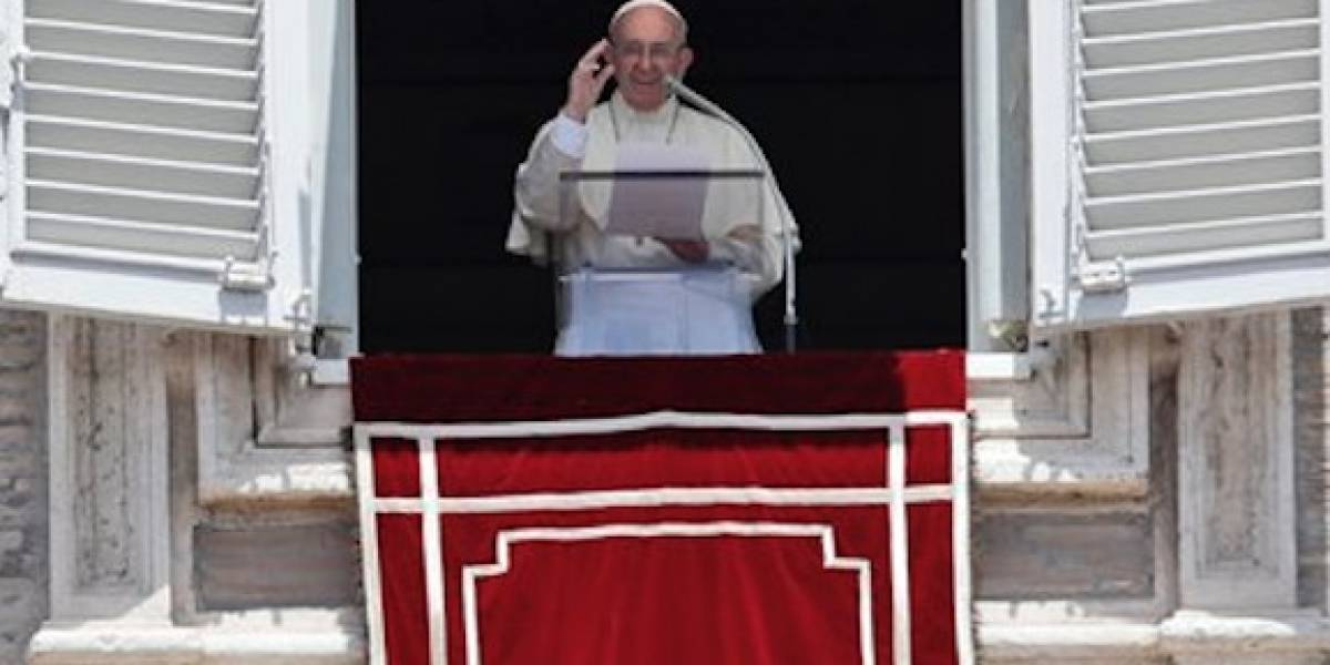 Papa Francisco pone en oración a Puerto Rico
