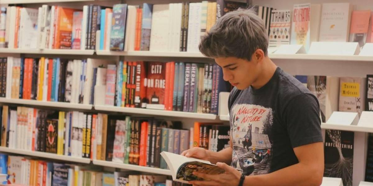 Alberto Villarreal, el chico que le gusta hablar de libros en YouTube