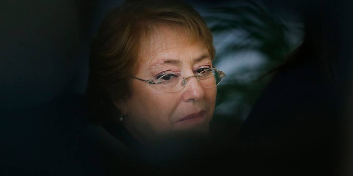 Bachelet presenta denuncia ante la Fiscalía por usurpación de identidad