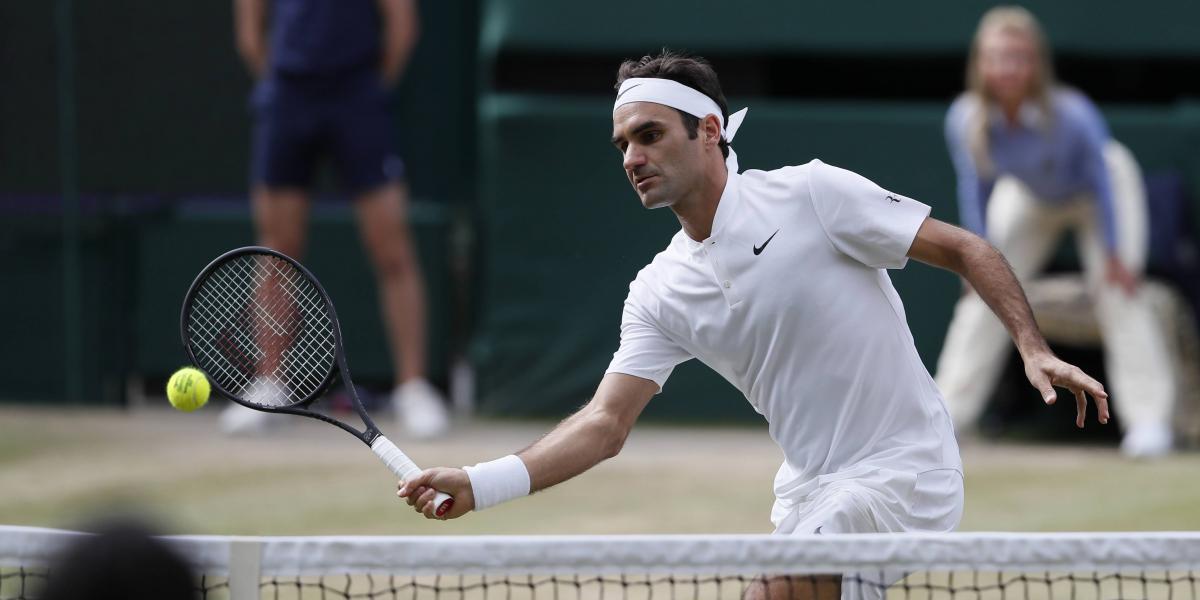 Federer avanza a semis y Murray se elimina