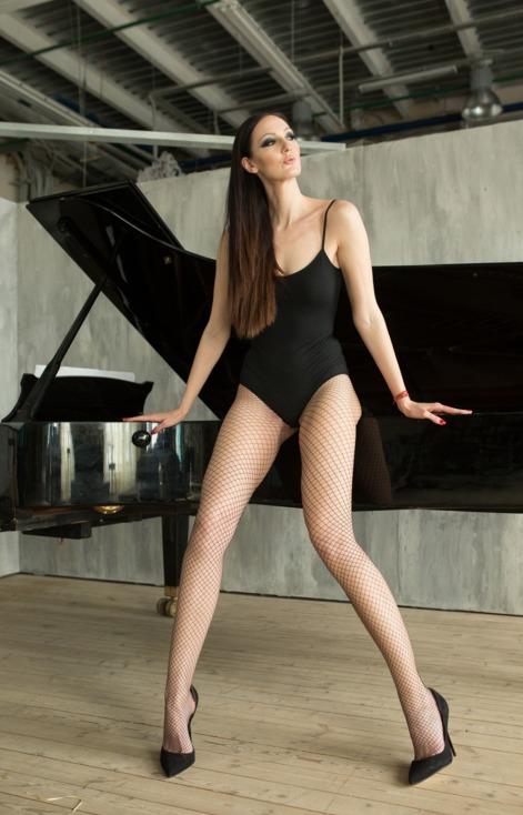 mujer piernas largas.jpg