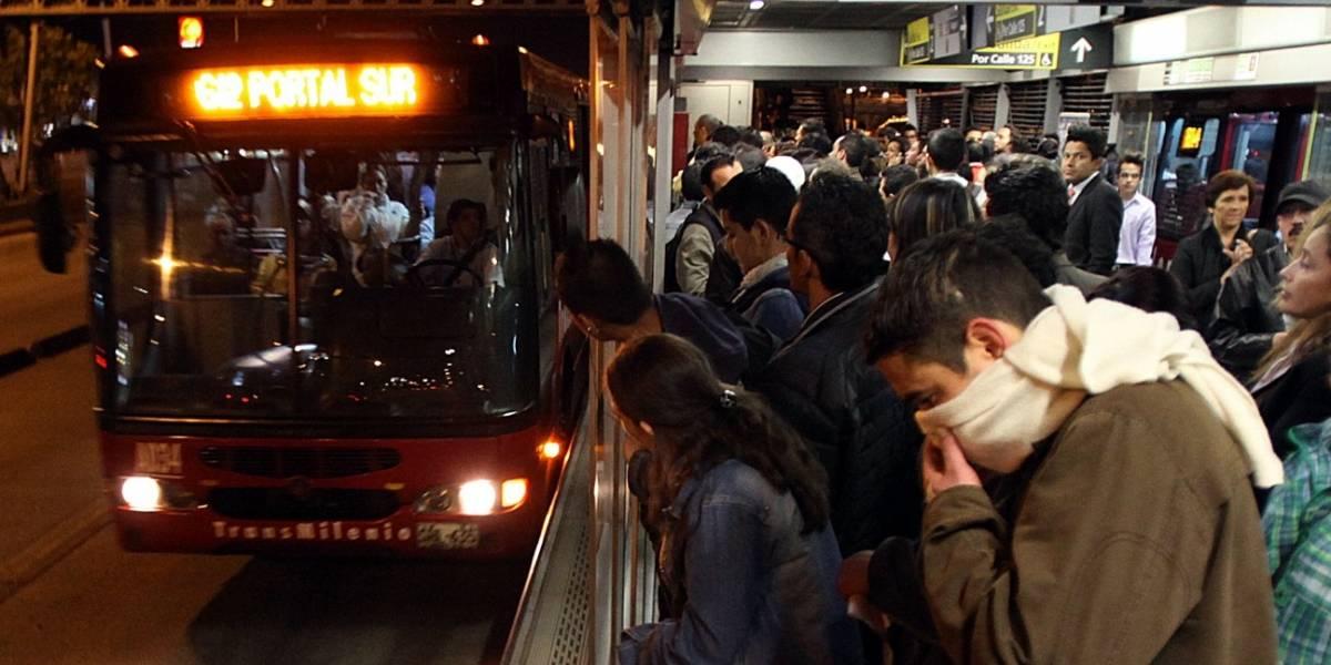 Mujer relata angustiantes momentos en que usuaria de TransMilenio fue apuñalada este sábado