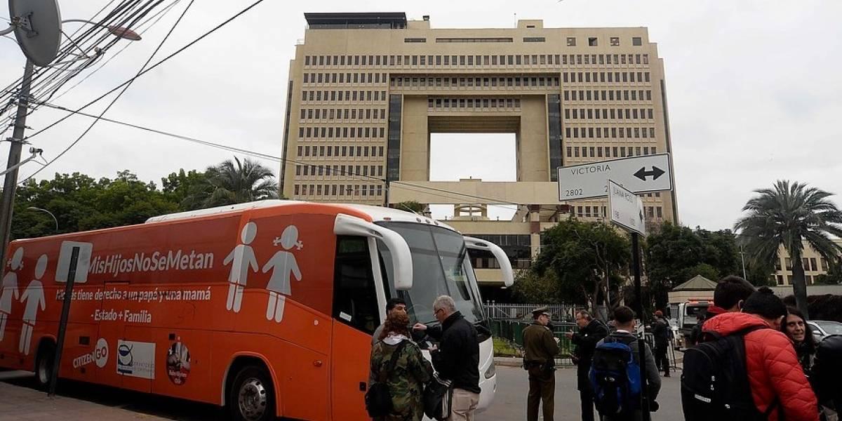 """Kast, Ward, Edwards y García: los parlamentarios que salieron a apoyar el """"bus de la libertad"""""""