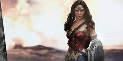 Deadpool felicitó a Wonder Woman por superarlo en taquilla