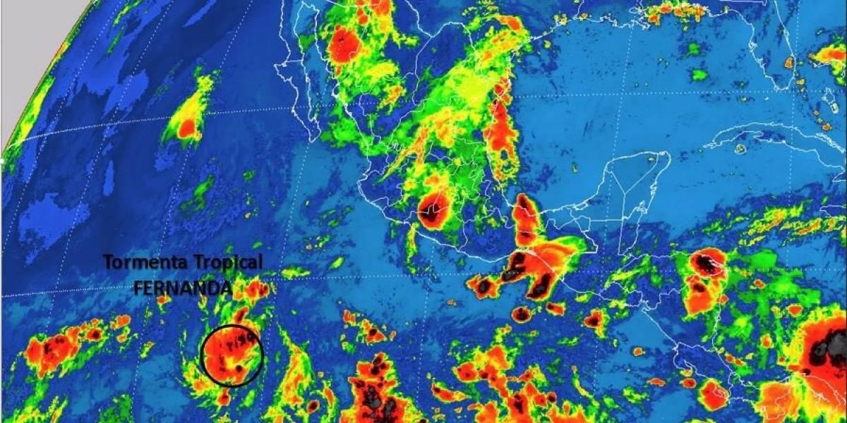 Se forma en península de Baja California tormenta tropical 'Fernanda'