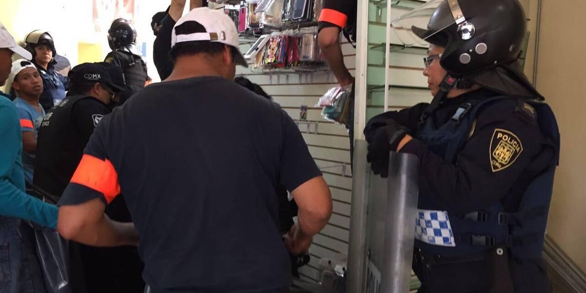 Detienen a 18 personas por vender celulares robados en Plaza Meave