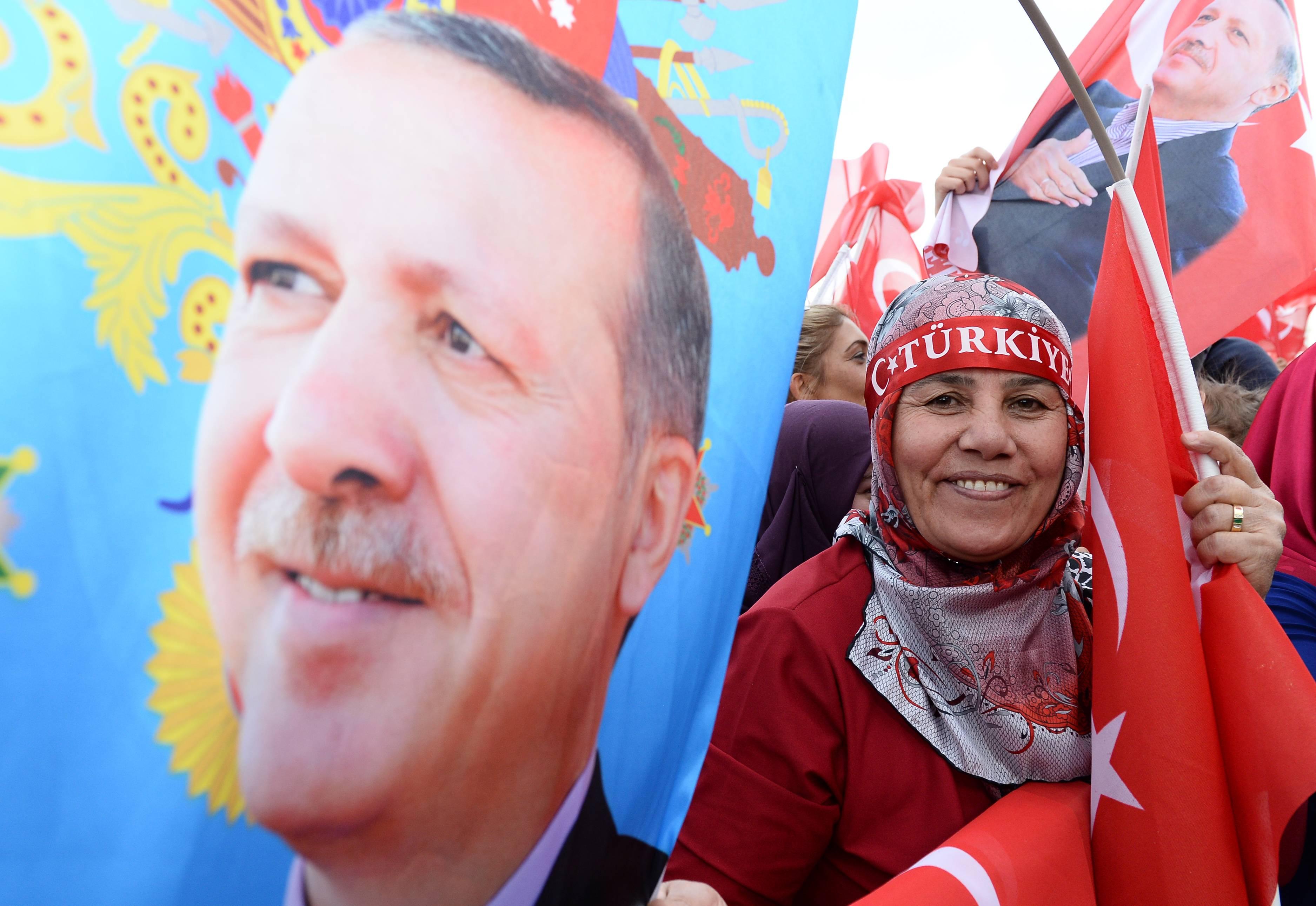 Partidarios de Erdogan celebran el triunfo del