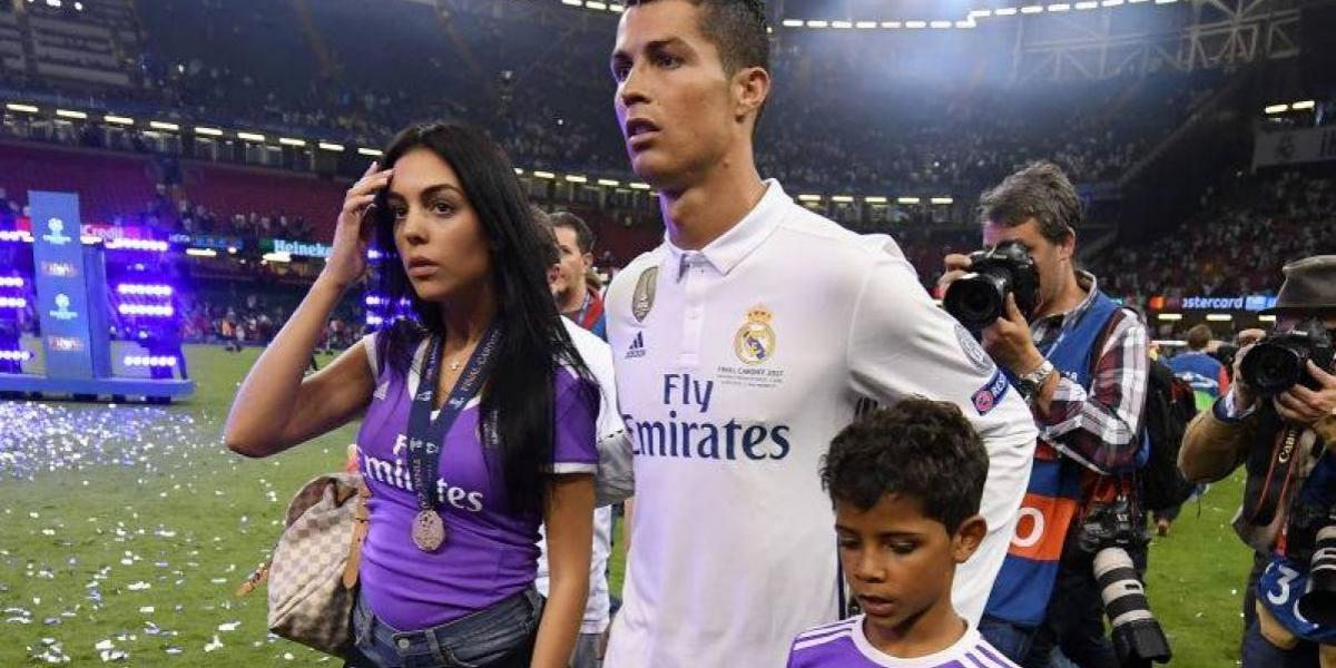 Cristiano Ronaldo publica la primera foto de su novia embarazada