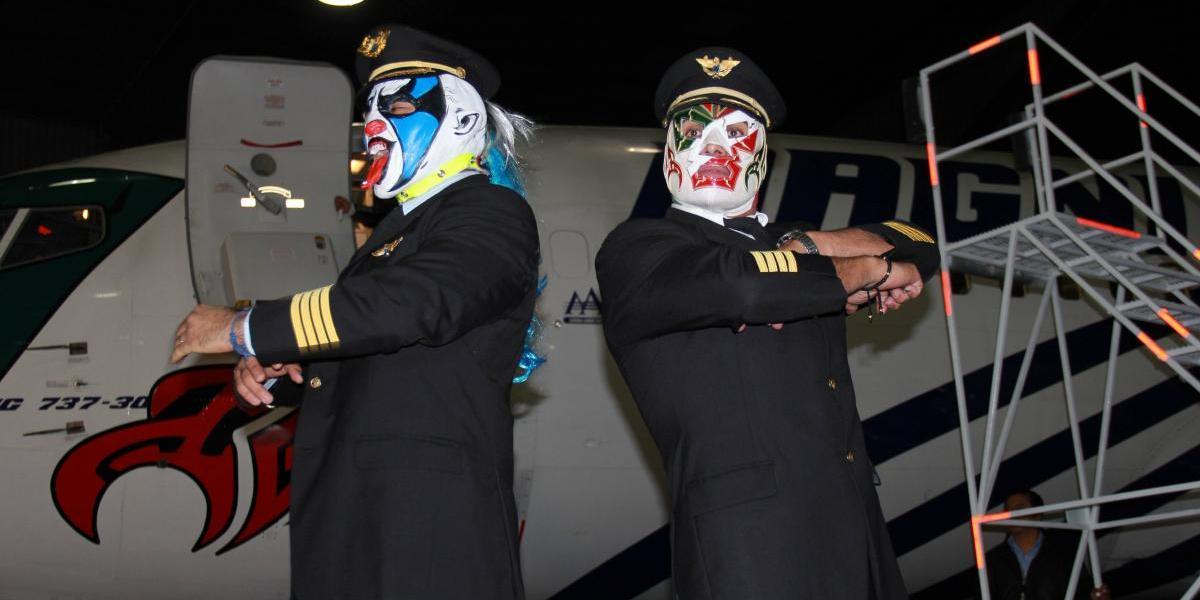 VIDEO: ¡Histórico! Conoce los aviones de Dr. Wagner Jr y Psycho Clown