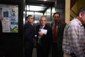Juez Miguel Gálvez comparece y se libra de una suspensión