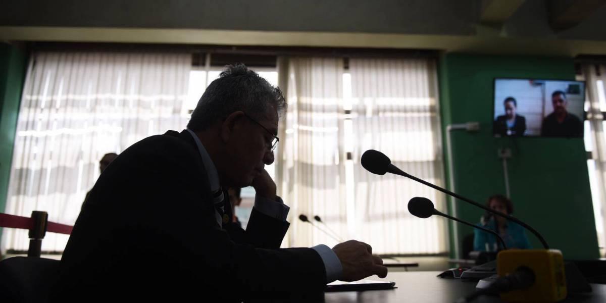 Juez Miguel Gálvez sale librado de sanción y anuncia audiencias de hasta 6 meses