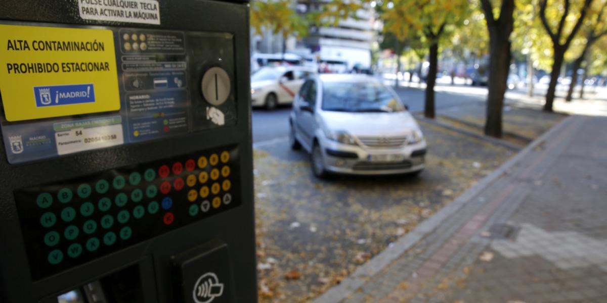 Ahora podría parquear su carro en la vía sin restricciones