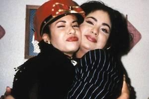 Selena Quintanilla y su hermana