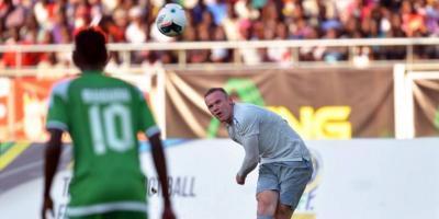 Wayne Rooney se estrenó con camiseta de Everton con este golazo