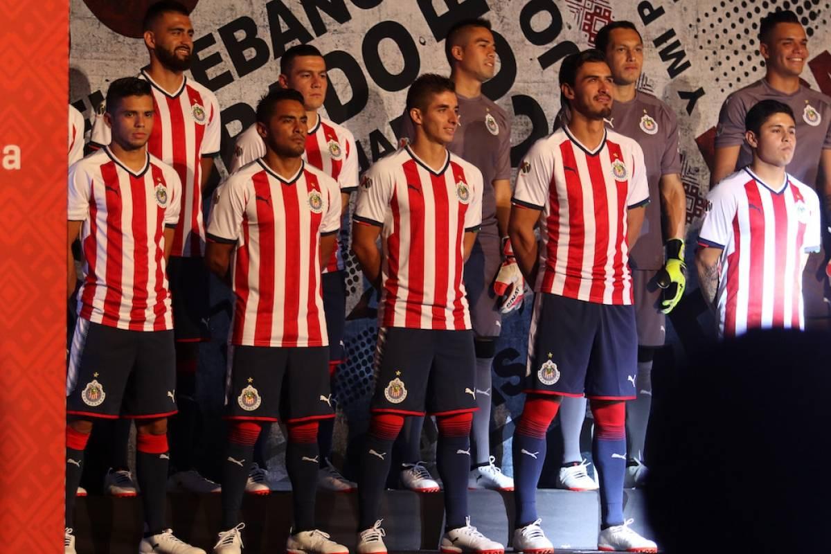 Chivas estrena playera con la estrella 12 para el Apertura 2017 ... 29c0e6112b7df