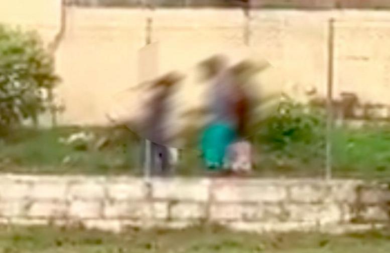 Video mostró a dos niños atracando a otro con un machete a plena luz del día