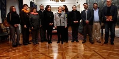 CUT planteó a Bachelet adelantar negociación del reajuste del sector público