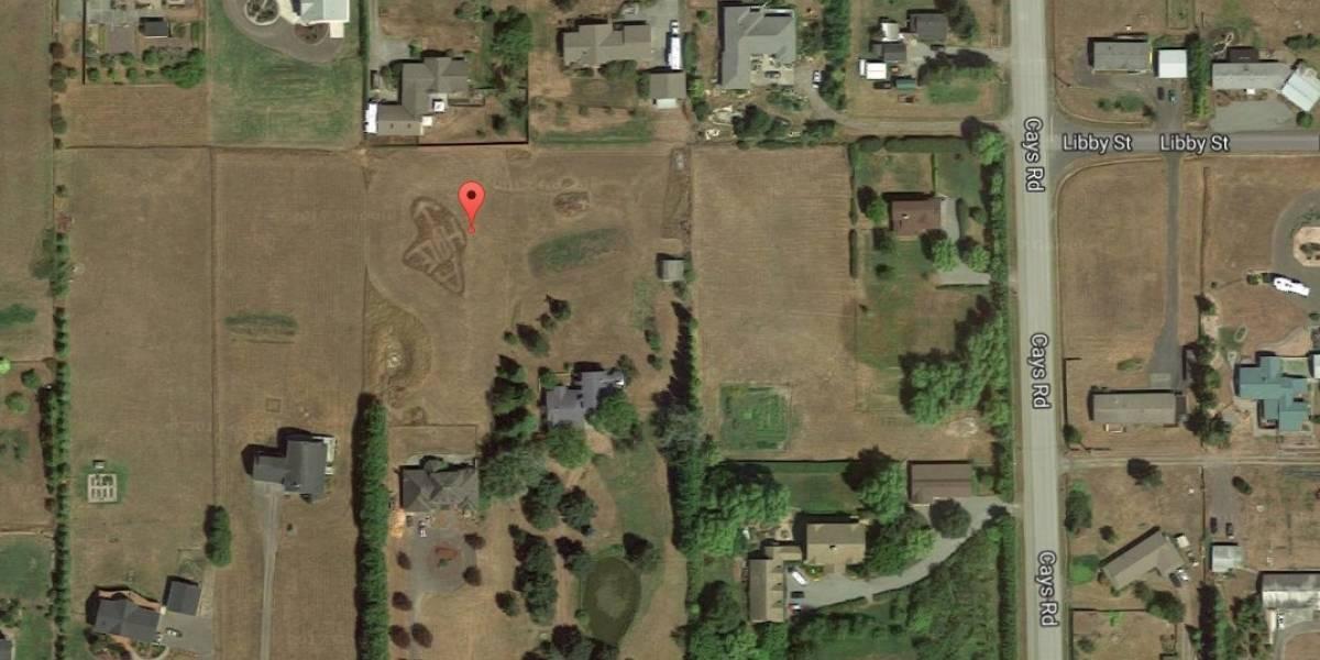 La mejor venganza: el sutil mensaje para vecino odioso que sólo se puede ver en Google Earth