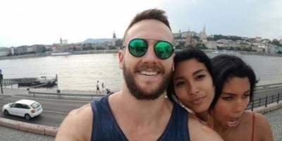 Subió selfie con su novia de dos cabezas y revolucionó las redes