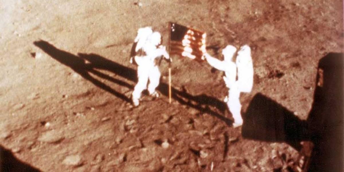 FOTOS. Subastarán polvo lunar recogido por Neil Armstrong