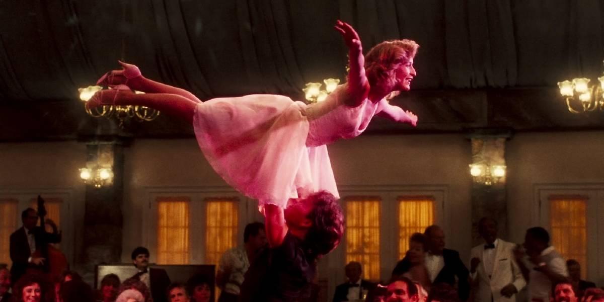 """Pareja intenta recrear icónica escena de """"Dirty Dancing"""" y termina en el hospital"""