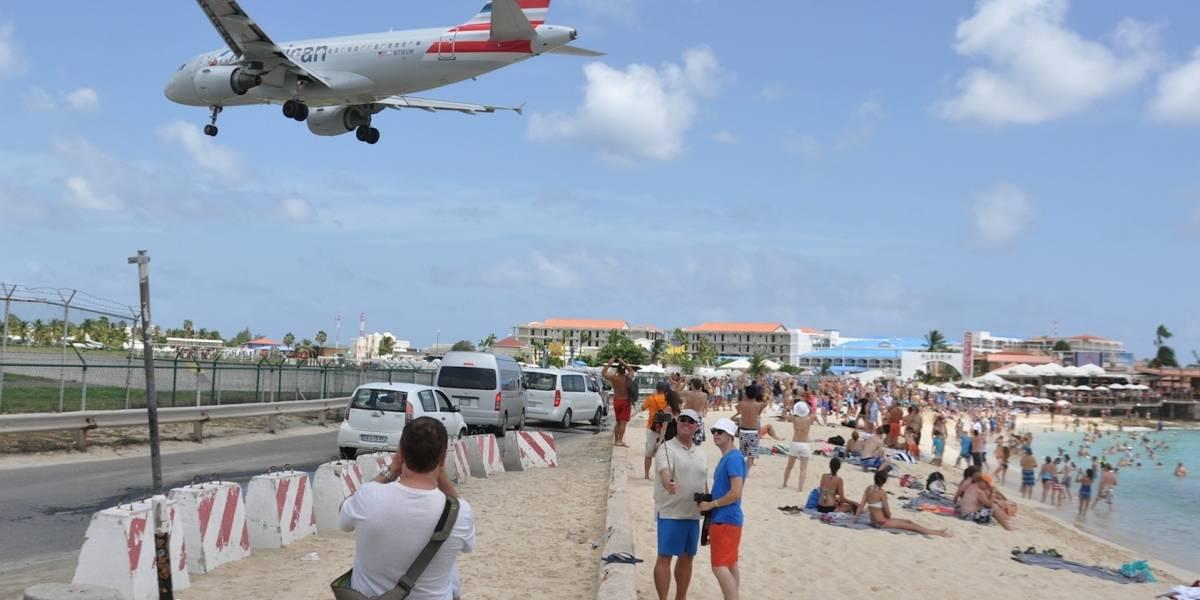 Muere turista en St. Martin por turbinas de avión