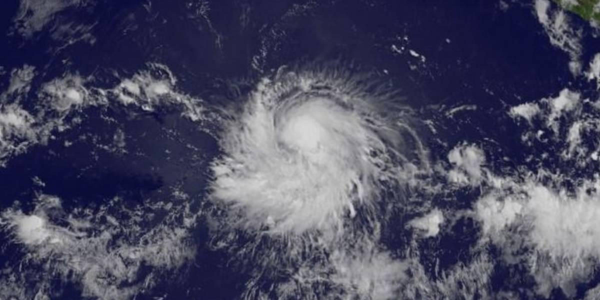 Fernanda ya es huracán en Pacífico mexicano