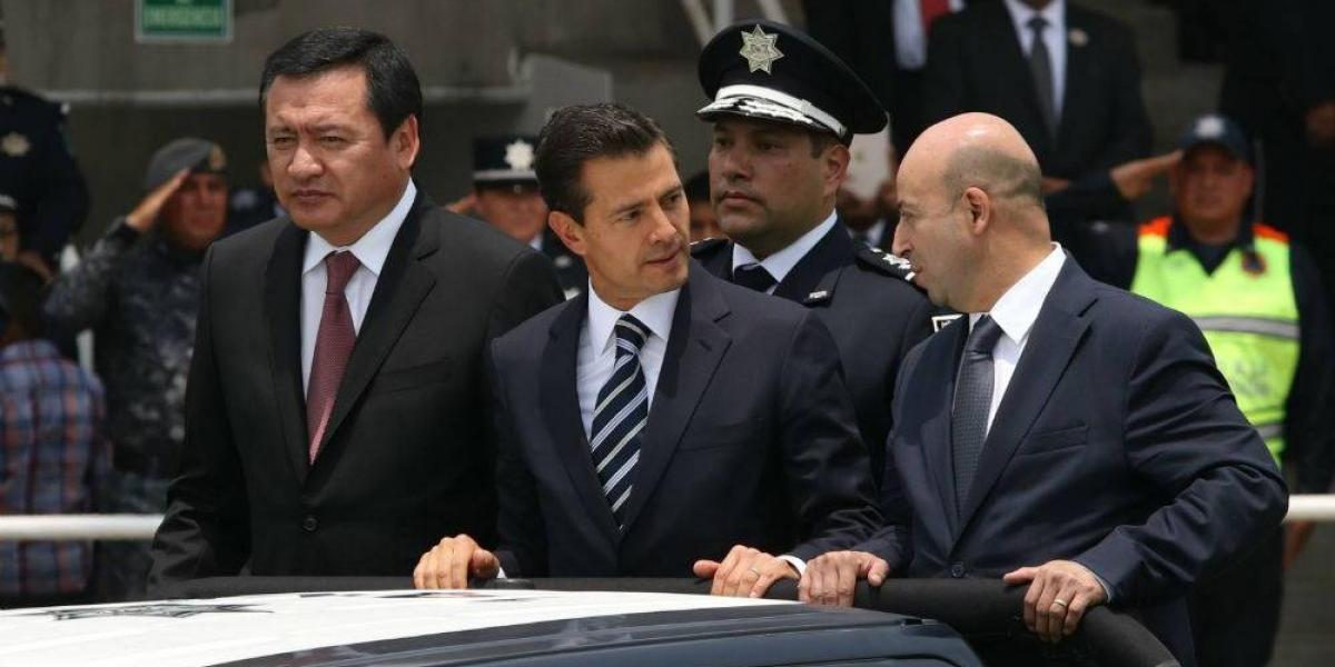 Peña Nieto instruye a separar de sus cargos a responsables del mantenimiento del Paso Express