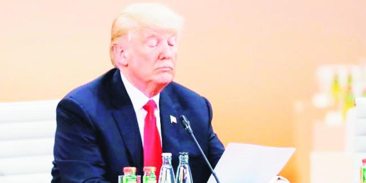Presentan propuesta para comenzar juicio político a Trump