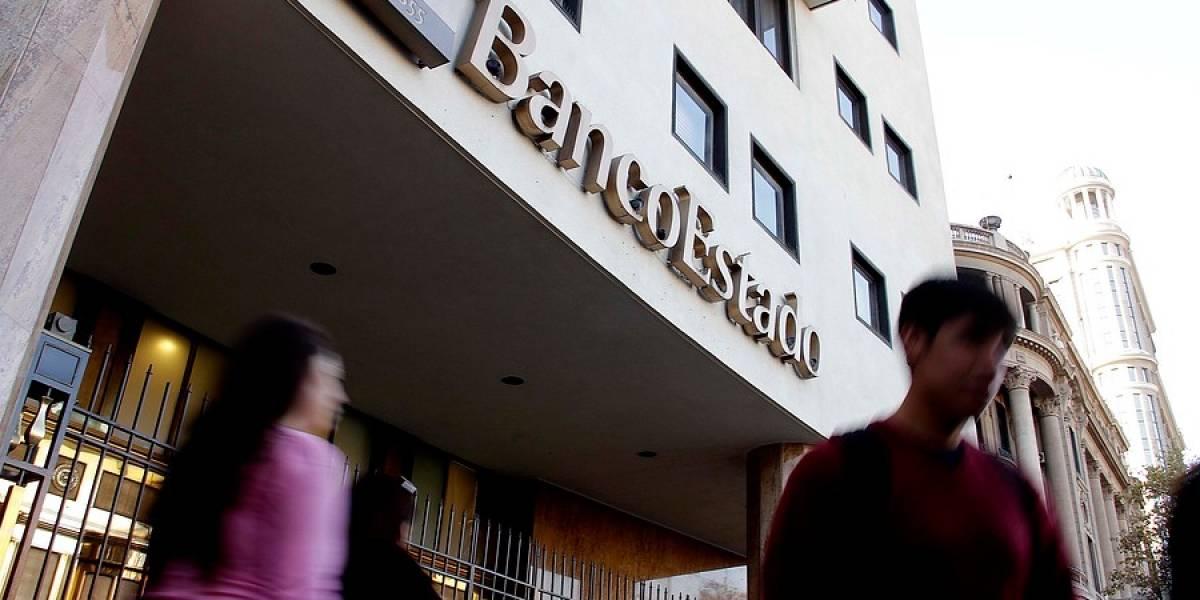 A la baja: S&P rebajó la nota de Banco de Chile y BancoEstado
