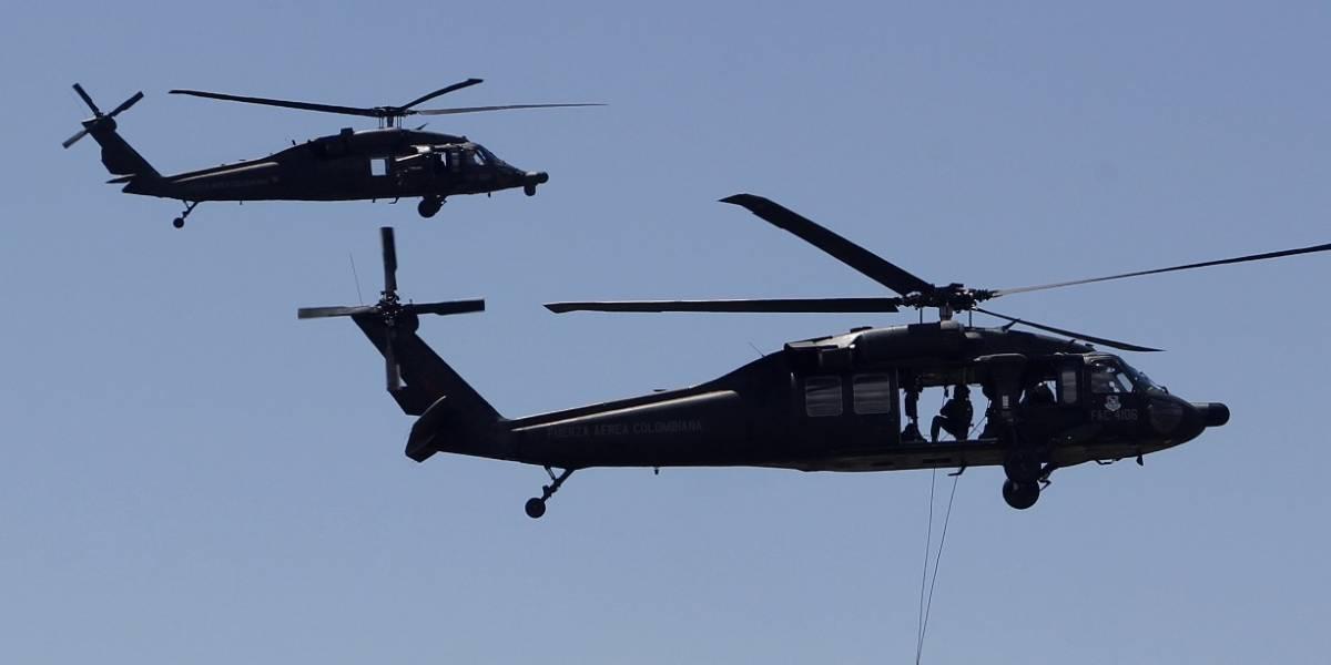 Exrehenes de Farc vuelven a subir a helicóptero en el que fueron liberados