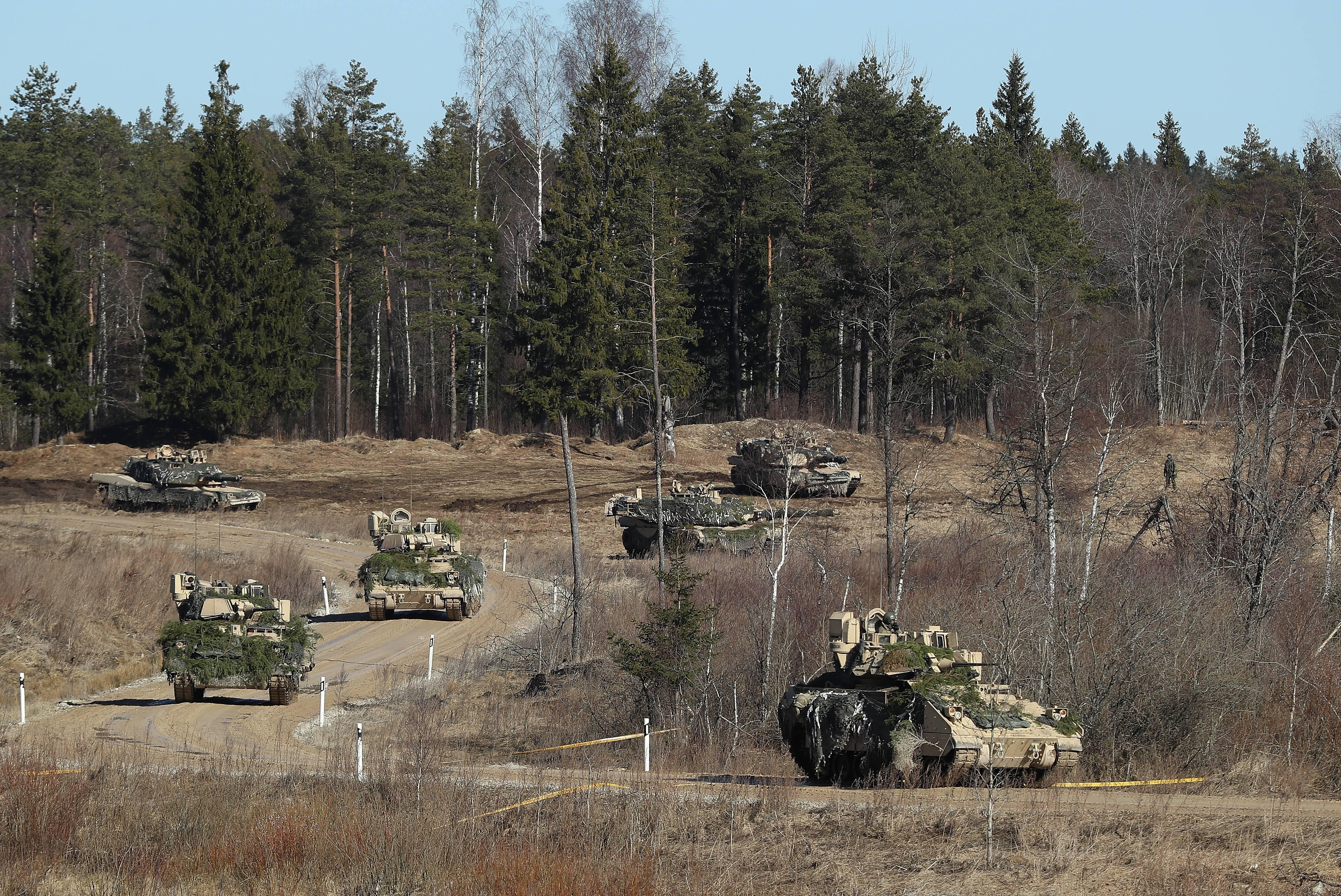 Ejercicios militares en Estonia.