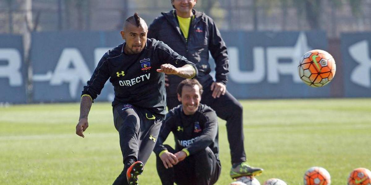Arturo Vidal no aguantó más y lanzó enojado tuiteo a la dirigencia de Colo Colo
