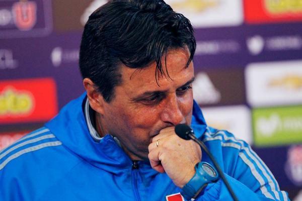 Guillermo Hoyos largó en llanto en la conferencia de la U / imagen: Photosport