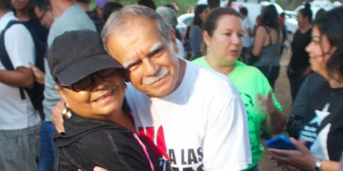 Oscar López Rivera se une a campamento contra cenizas en Peñuelas