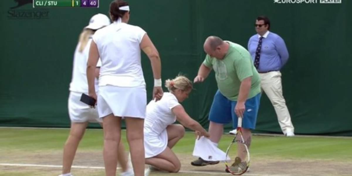 VIDEO: Kim Clijters viste a hombre con ropa de mujer en pleno juego de Wimbledon