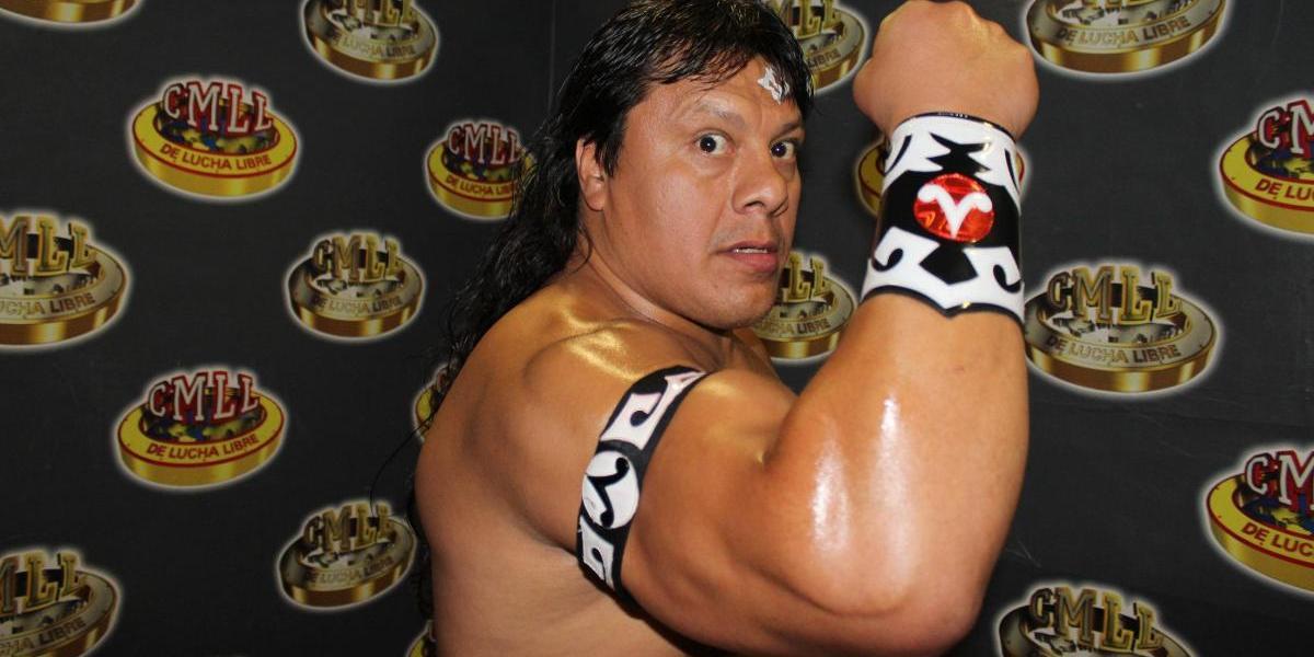 Último Guerrero y Volador Jr, por el Torneo Campeón Universal