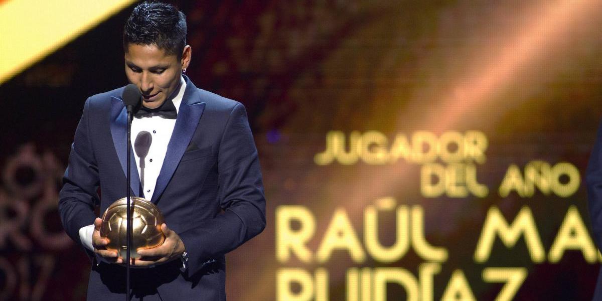 Raúl Ruidíaz se lleva la noche en la gala del Balón de Oro 2017