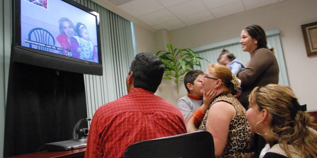 Argentino de 65 años se casa por videoconferencia con su novia colombiana
