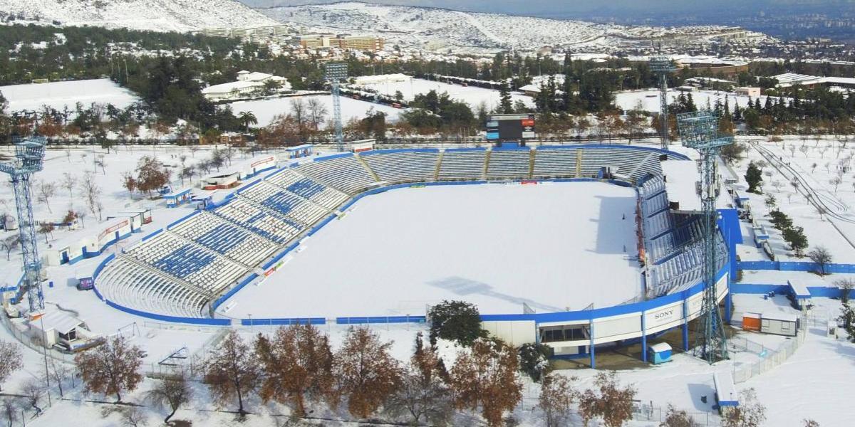 Así quedaron: la impresionante vista panorámica de los estadios de Santiago azotados por la nieve