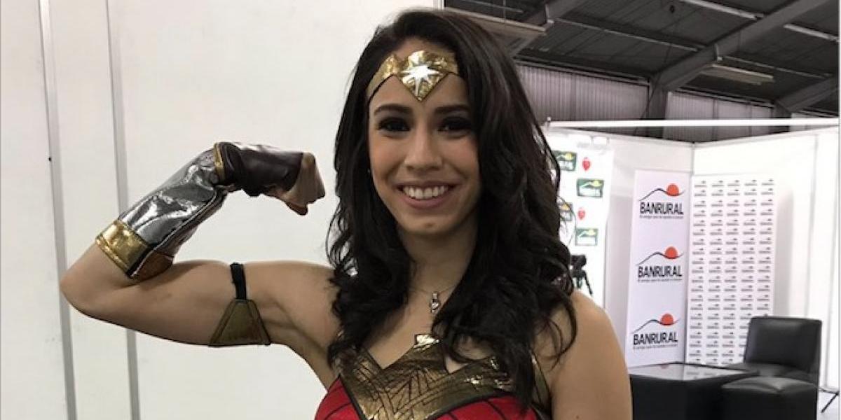 """Elizabeth Zamora enloquece a sus seguidores con sus """"superpoderes"""""""