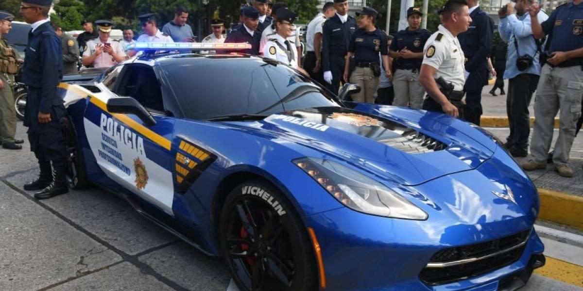 Convierten lujoso Corvette en patrulla de la PNC