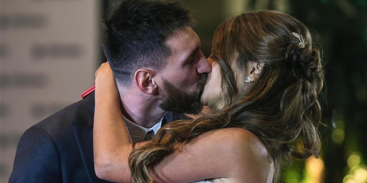 """Messi hace público el romántico video en que Antonela le da el """"sí"""""""