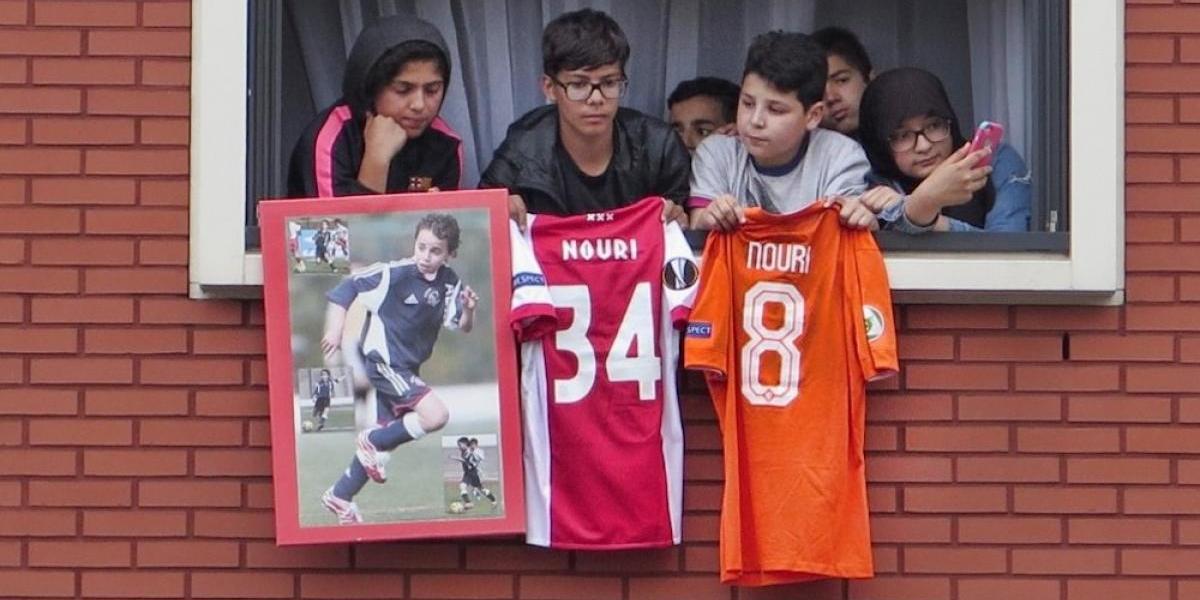 Cientos de personas muestran su apoyo a Abdelhak Nouri, diagnosticado con daño cerebral
